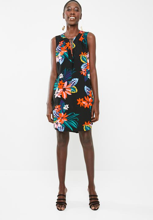 04d568bcd5 Sleeveless floral day dress - black edit Casual