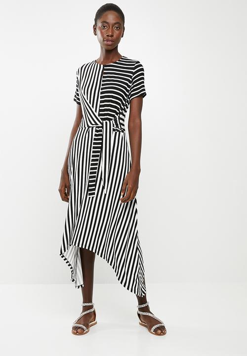 49bcdfa6193 Short sleeve wrap dress - black & white edit Casual | Superbalist.com