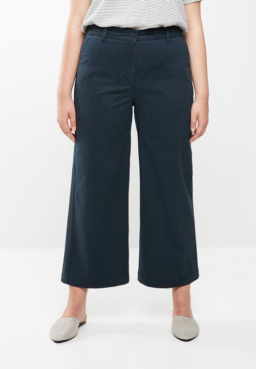 7321e5cf2ff Ntombekhaya cropped pants - plus size - navy AMANDA LAIRD CHERRY ...