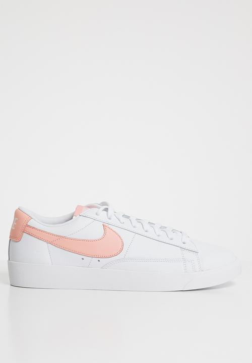 super popular 029f7 2ceed Nike - Blazer Low LE - White   Storm Pink