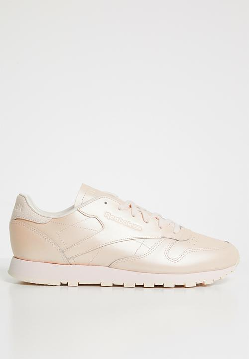 b7fbaa494bd CL LTHR - MID-PALE PINK Reebok Classic Sneakers