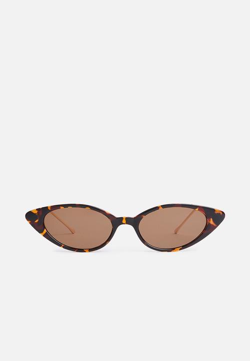 b68e24417d068 Cat-eye sunglasses 1 - brown G Couture Eyewear