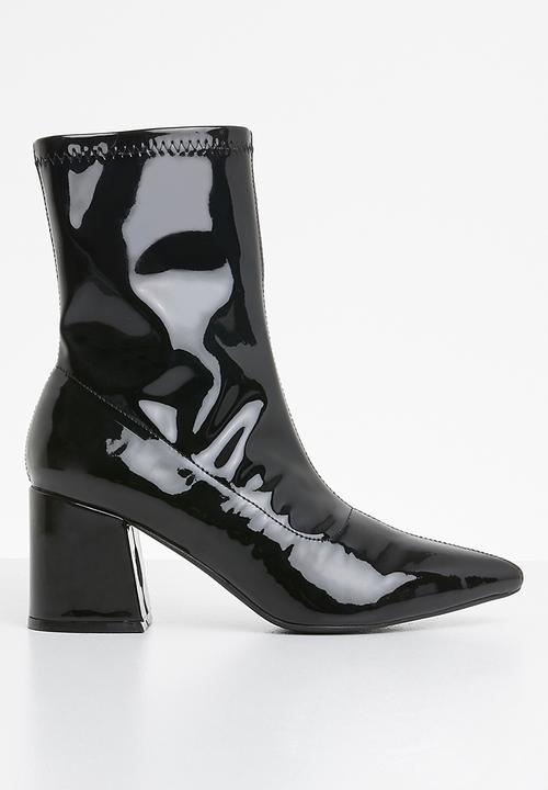cc2e05a051e0 Mid Heel Sock Boot Patent - Black Missguided Boots