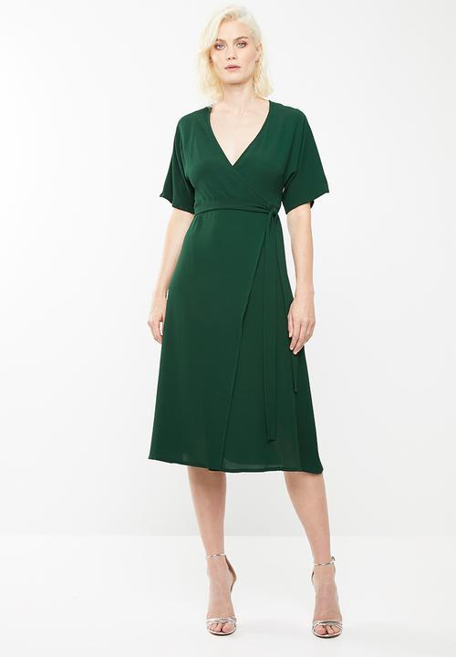 3cfd5ddc7588c Short sleeve wrap midi dress - green Missguided Casual | Superbalist.com