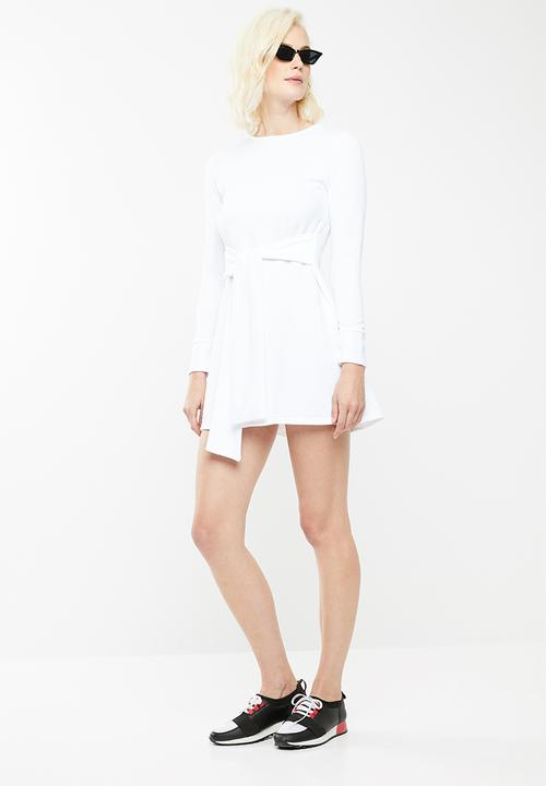 08ef4568f05 Tie waist sweater dress - white Missguided Casual