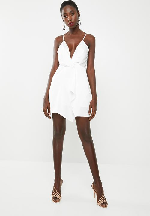 befdbe3a4c7 Satin strappy wrap shift dress - white Missguided Occasion ...
