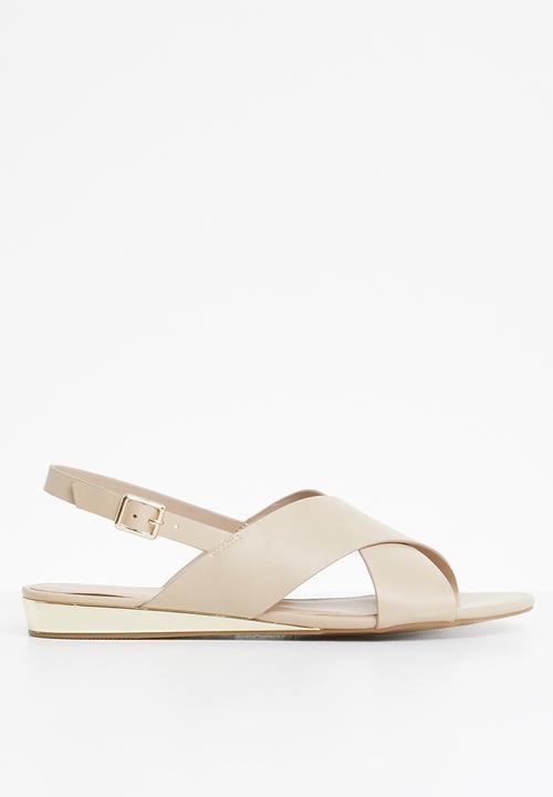 43004762500 Nydidda criss cross flatform sandal - Neutral ALDO Sandals   Flip ...