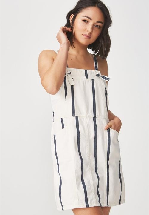 7726a5136a3 Denim pinafore dress - white   navy Cotton On Casual