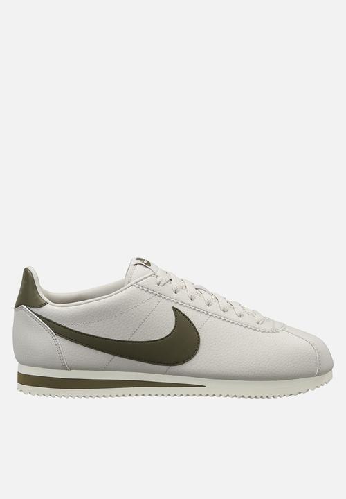bb57a2cdd3 Men's Nike Classic Cortez leather- 749571-004 - light bone/olive ...