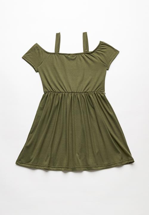 8292cbd8ebec Cold shoulder dress - khaki green Rebel Republic Dresses   Skirts ...