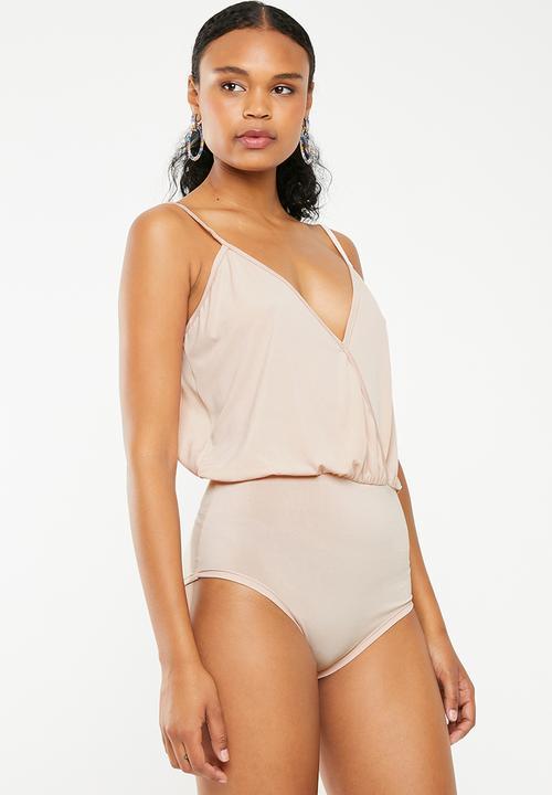ac5e3ccf8 Wrap Bodysuit Nude STYLE REPUBLIC T-Shirts