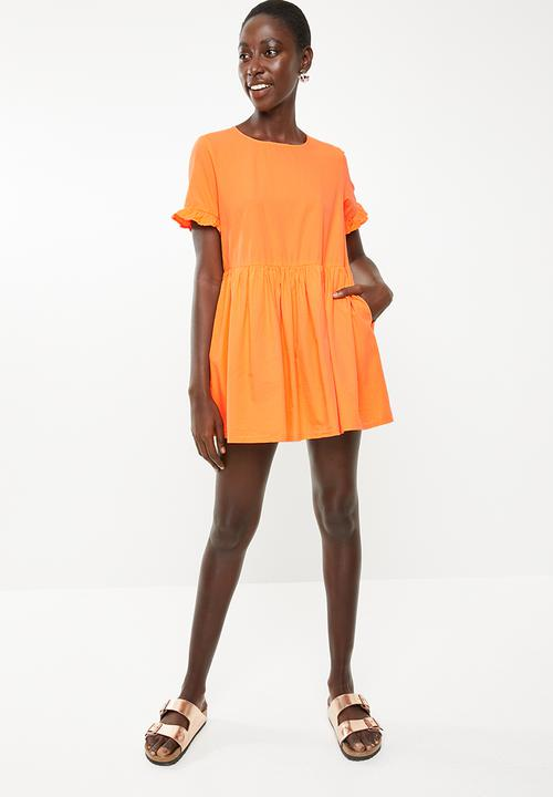 0df4871234d8 Goldie short sleeve playsuit - sun orange Vero Moda Jumpsuits ...
