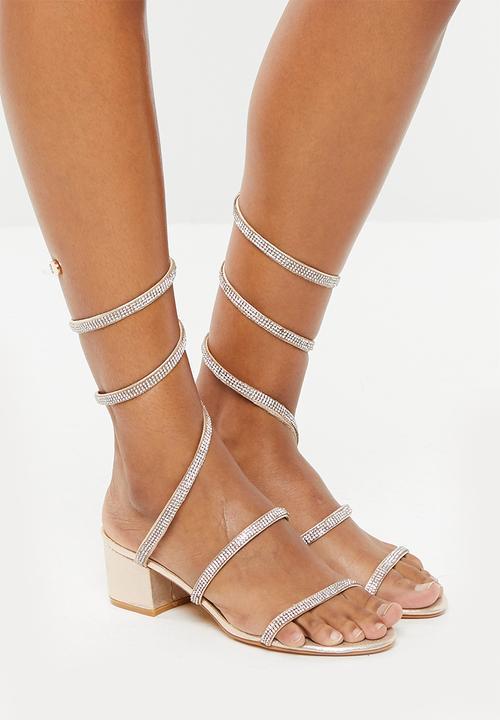 e2bd6919482 Embellished wraparound sandals - gold Truffle Heels