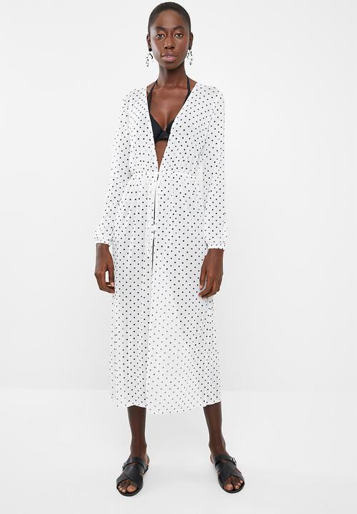 7e37163cfb Polka dot mesh maxi dress - white Missguided Kaftans   Cover Ups ...