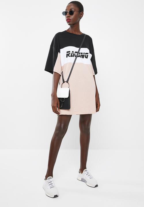 a9b6a46dda0d Missguided - Oversized short sleeve T-shirt dress racing - black