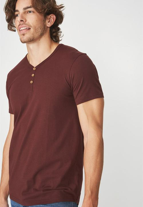 982ef681 Essential short sleeve henley - windsor wine Cotton On T-Shirts ...