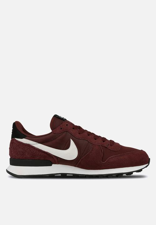 sports shoes 34652 23412 Nike - Internationalist - burgundy crush summit white-black