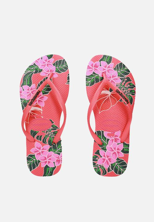 49bac199d Slim floral flip flops - coral Havaianas Sandals   Flip Flops ...