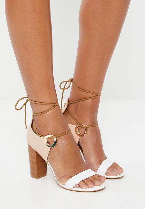 Miss Black - Adamina block heels - white & pink