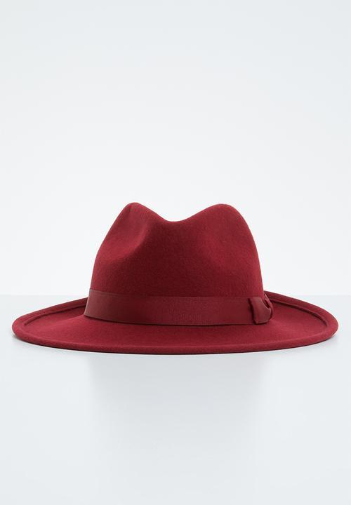 4ec472350 Felt fedora hat - maroon