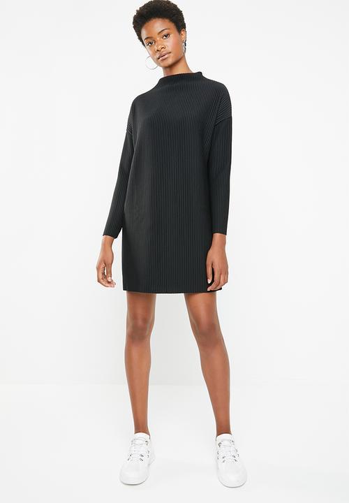 780b2211565 Oversized high neck rib sweater dress - black Missguided Casual ...