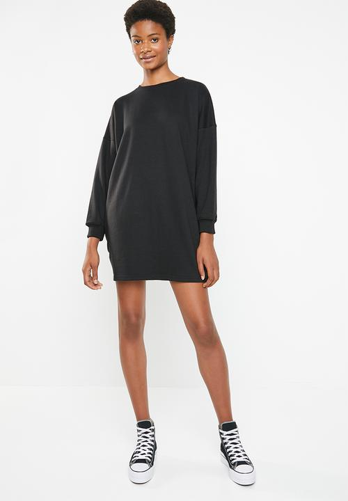 fed9574f9b8 Oversized long sleeve basic sweater dress - black Missguided Casual ...