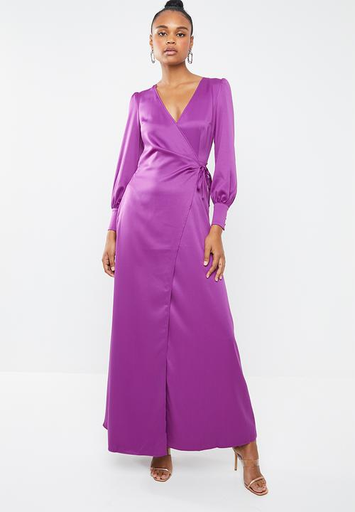 8999212604 Satin tie side maxi dress - purple Missguided Occasion