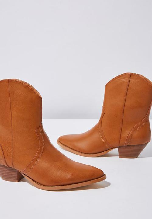 d7c6b0a84ce Larissa faux leather pointed block heel western boot - tan smooth pu ...