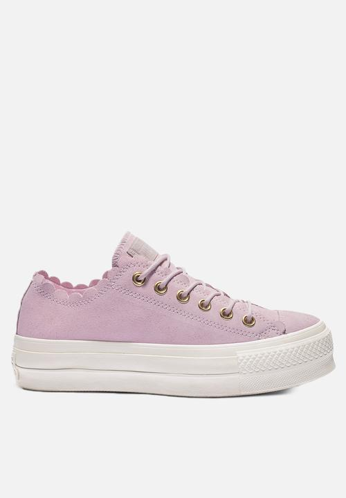 e0e5b83810b Chuck Taylor All Star Lift - OX - 563500C - pink foam / gold / egret ...