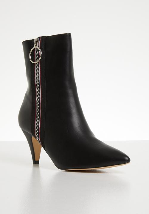 e5236d7769c Miami faux leather side zip ankle boot - black Footwork Boots ...