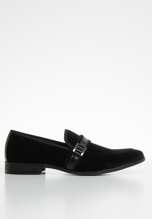 6b655aed249 Macklin - black
