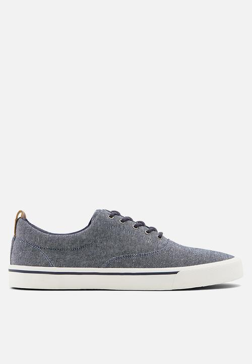 Dunn Casual Shoe   Blue by Call It Spring