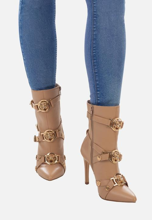 Vixen ankle boot with buckle detail