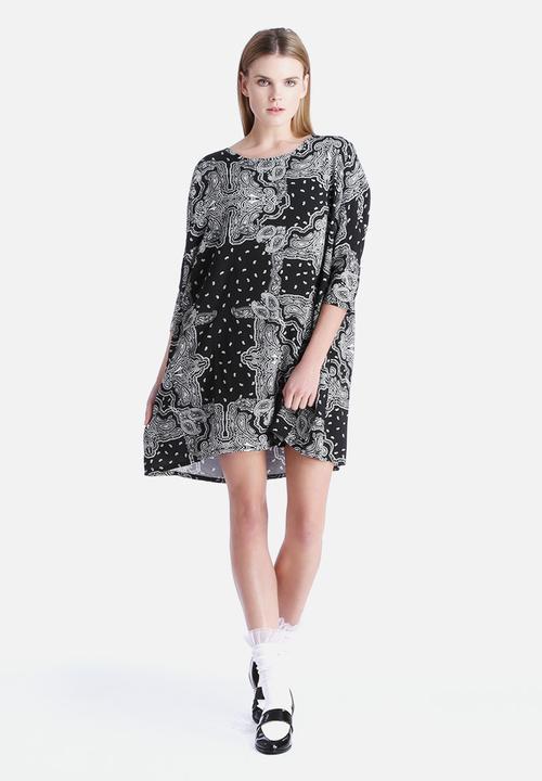 577000001 Paisley 3/4 Long Dress
