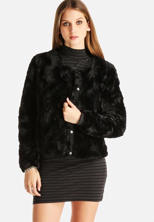 8d7e8f6d78f6 Curl Short Fake Fur Jacket - Black Vero Moda Jackets