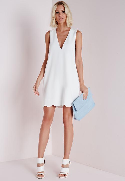 0b32ebbf05c6 Crepe Plunge Scallop Hem Shift Dress - White Missguided Formal ...