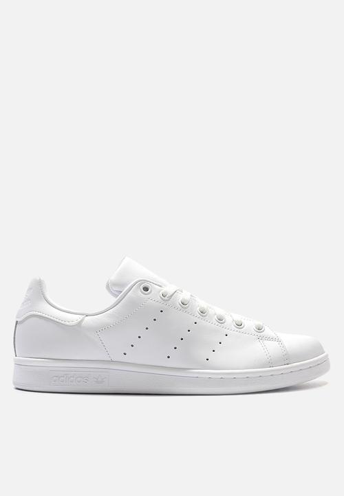 half off 1102a b21e2 Stan Smith