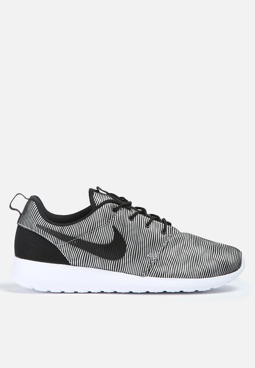 2ecd6abe8e19 Nike Roshe One PRM Plus - 807611-100 - White   Black Nike Sneakers ...