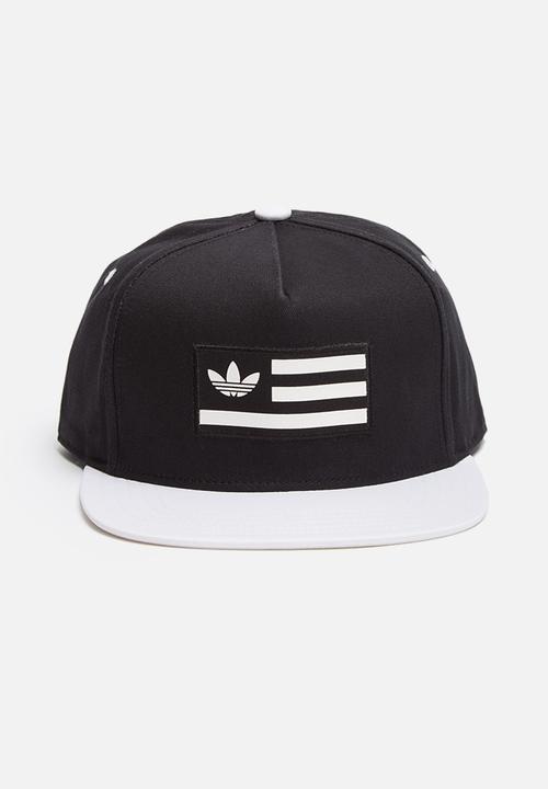29e6815f Snapback Flatbrim Cap - Black / White adidas Originals Men ...