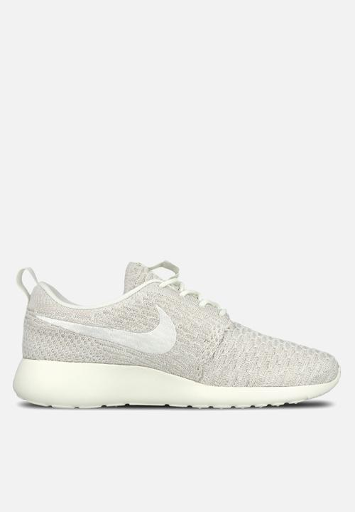 new arrival d8c50 b1cc6 Nike - W Roshe One Flyknit
