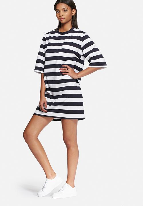 479514ee07c City safari T-shirt dress - navy   white The Fifth Casual ...