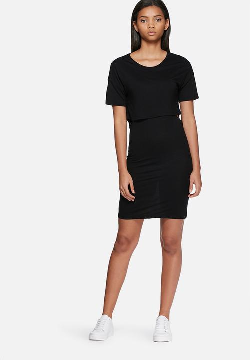 black t shirt dress tight