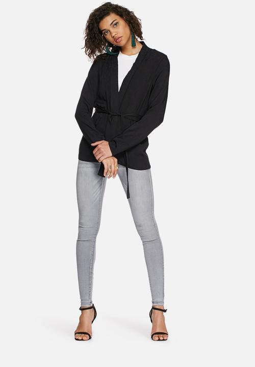 629ba0b4c9e3 Preen blazer - black VILA Jackets | Superbalist.com