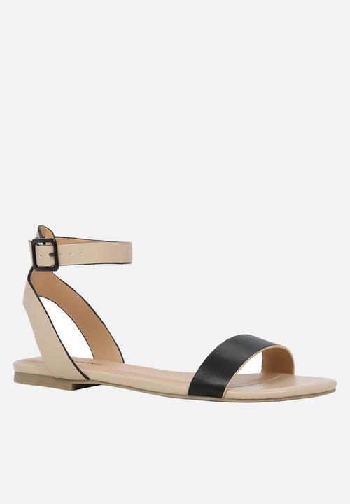 aa064f8482b1 Baillie - bone Call It Spring Sandals   Flip Flops