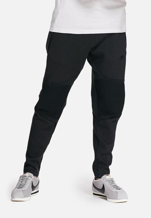 954b8960a7e2 Tech fleece pants - black Nike Sweatpants   Shorts