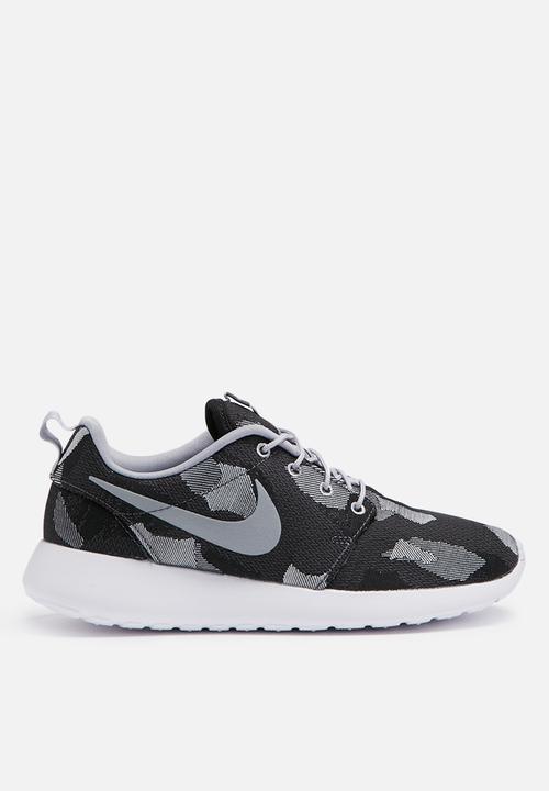 da06896ec1e0 Nike wmns Roshe one jacquard print - dark grey blk pure platinum ...