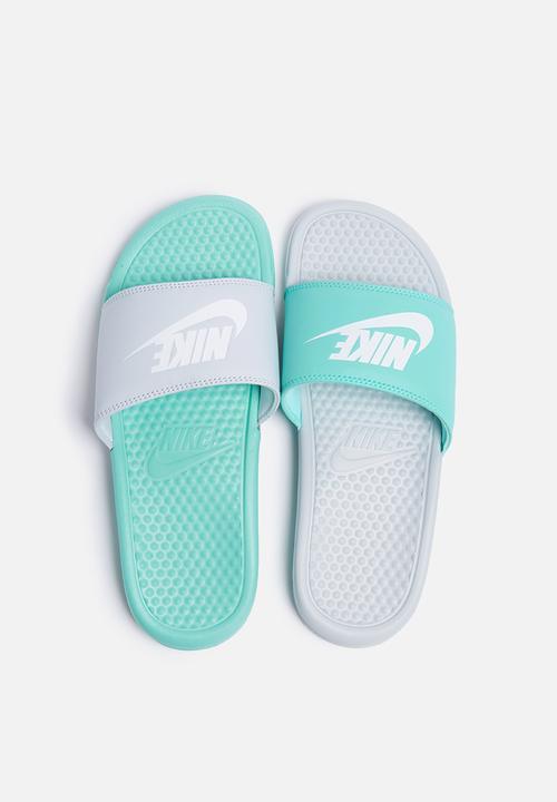 1c0c183772634e Nike W Benassi JDI Mismatch - 819696-003 - Pure Platinum   White ...