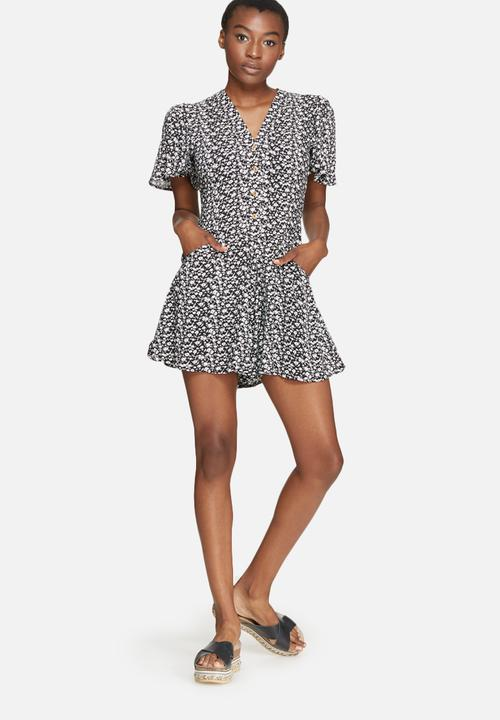 a97214e26e88 V-neck button up playsuit - daisy print dailyfriday Jumpsuits ...