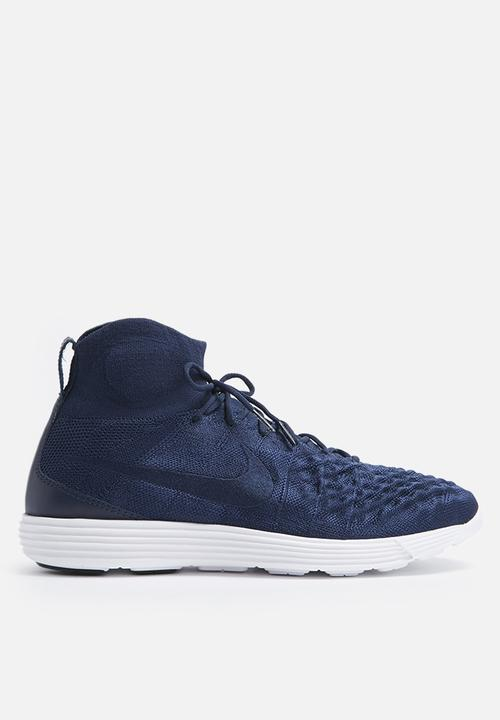 low priced 6a47d 5d836 Lunar Magista II Flyknit