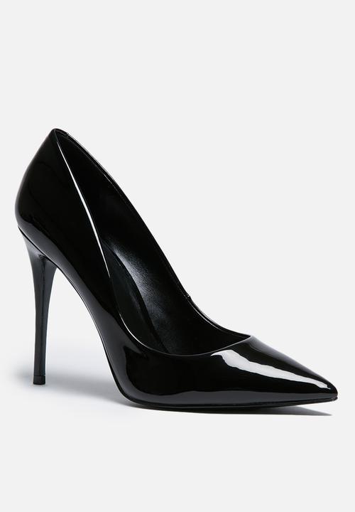 3318f3361677 Stessy - black patent ALDO Heels